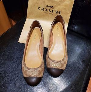 Authentic Coach Chelsea flat shoes size 6.5